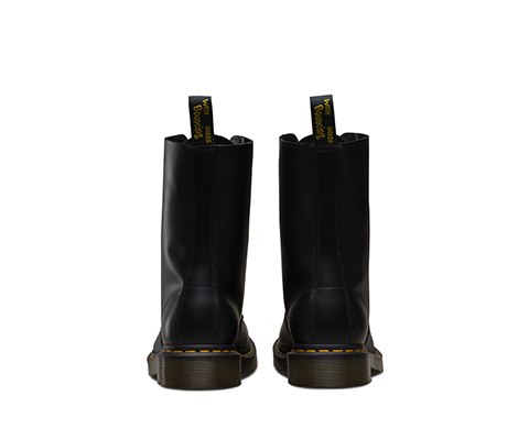 1490 Black Smooth  黑色 10092001